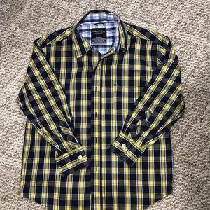 NWOT Nautica navy/yellow button down shirt